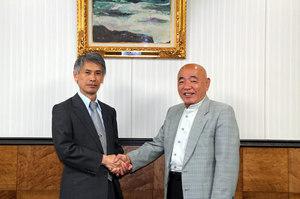 香港在住の本学卒業生・福島秀世氏と福田理事長