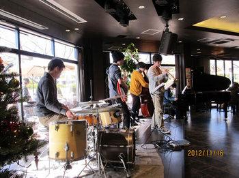 カレッジハウス扶桑ミニコンサートが開催