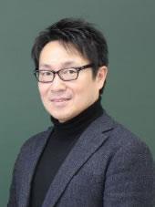茂木 創 政経学部准教授
