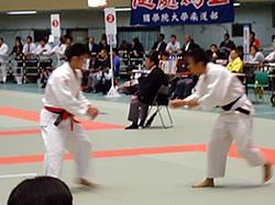三上選手(左)