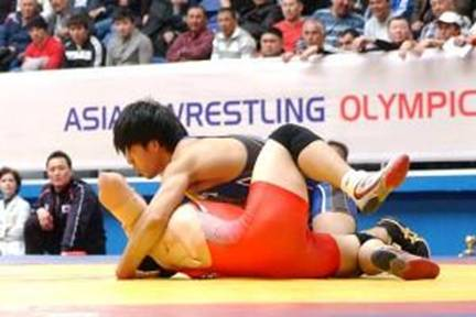 オリンピック代表に決定した高谷選手(上)