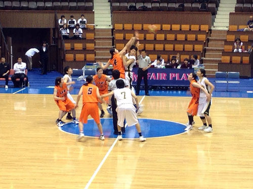 http://past-news.takushoku-u.ac.jp/sports/131124basketball-women01.jpg
