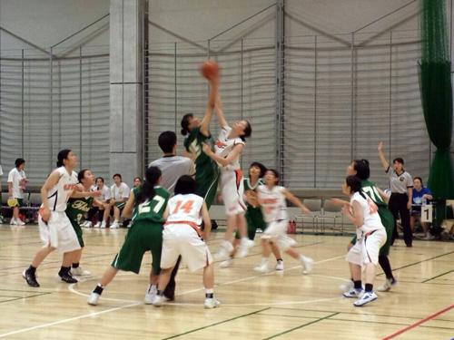 http://past-news.takushoku-u.ac.jp/sports/140707basketball-women_01.jpg