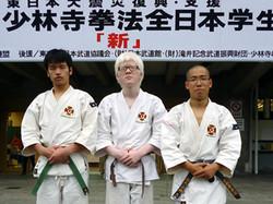左から安田選手、穂谷選手、小山選手