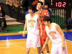 長谷川選手(手前左)上杉選手(右)