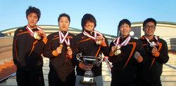 団体リレー出場メンバー(左から中本選手、田中選手、清水選手、橋本選手、田川選手)