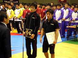 表彰式(左から小森選手、鈴木選手)