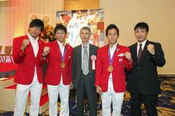 日本レスリング協会創立80周年記念式典で、拓殖大学が表彰されました
