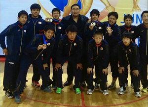 前列一番左:坂本選手