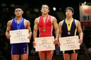 表彰台右:前田選手